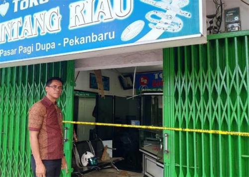 Polisi Buru Maling Emas di Pekanbaru yang Beraksi Saat Jam Sholat Jumat