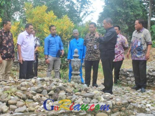 Ziarah Makam Raja-raja Rambah di Rohul, Wagubri Edy Nasution: Situs Sejarah Harus Terpelihara