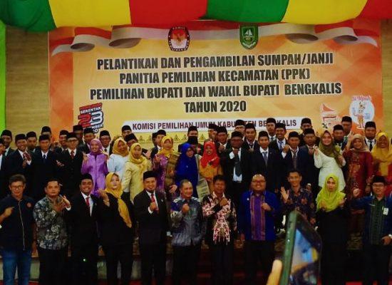 Ketua KPU Bengkalis, Lantik dan Ambil Sumpah Anggota PPK