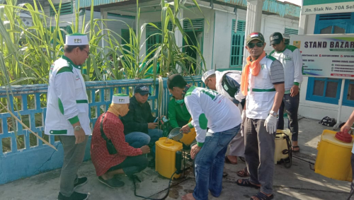 Cegah Covid-19, DPW FPI Meranti Semprotkan Disinfektan di Masjid dan Mushala