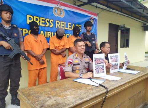 Diupah 800 Ribu untuk Langsir 20 Ton Kayu Ilegal, Tiga Warga di Meranti Terancam Hukuman 5 Tahun Penjara